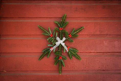 Christmas Snowflake Greenery